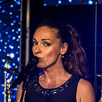 Dominique Lacasa - vocals